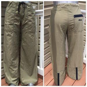 DOLLHOUSE Wide Leg Cargo Pants in Light Green - XS